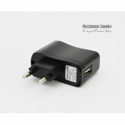 220V Fali Adapter USB 500mAh kimenettel